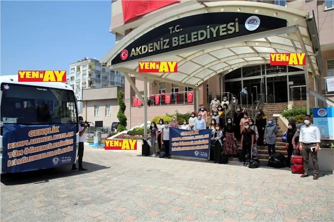 Akdeniz Belediye Başkanı GÜLTAK, BAŞARILI ÖĞRENCİLERİ YAZ KAMPI İLE ÖDÜLLENDİRDİ